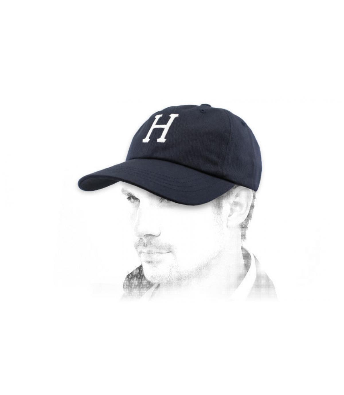 berretto H blu navy