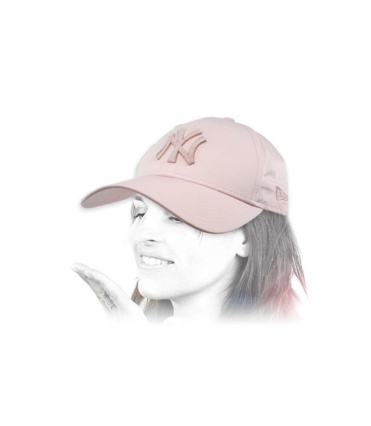 NY cap donna rosa