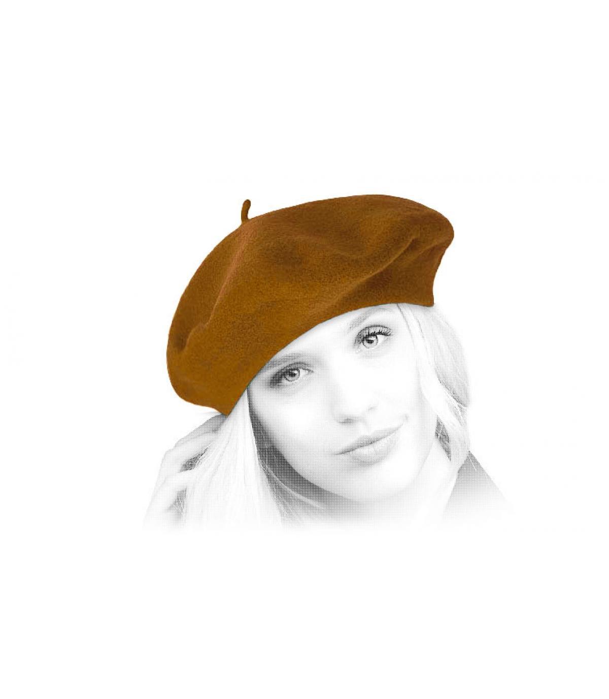 lana beige berretto