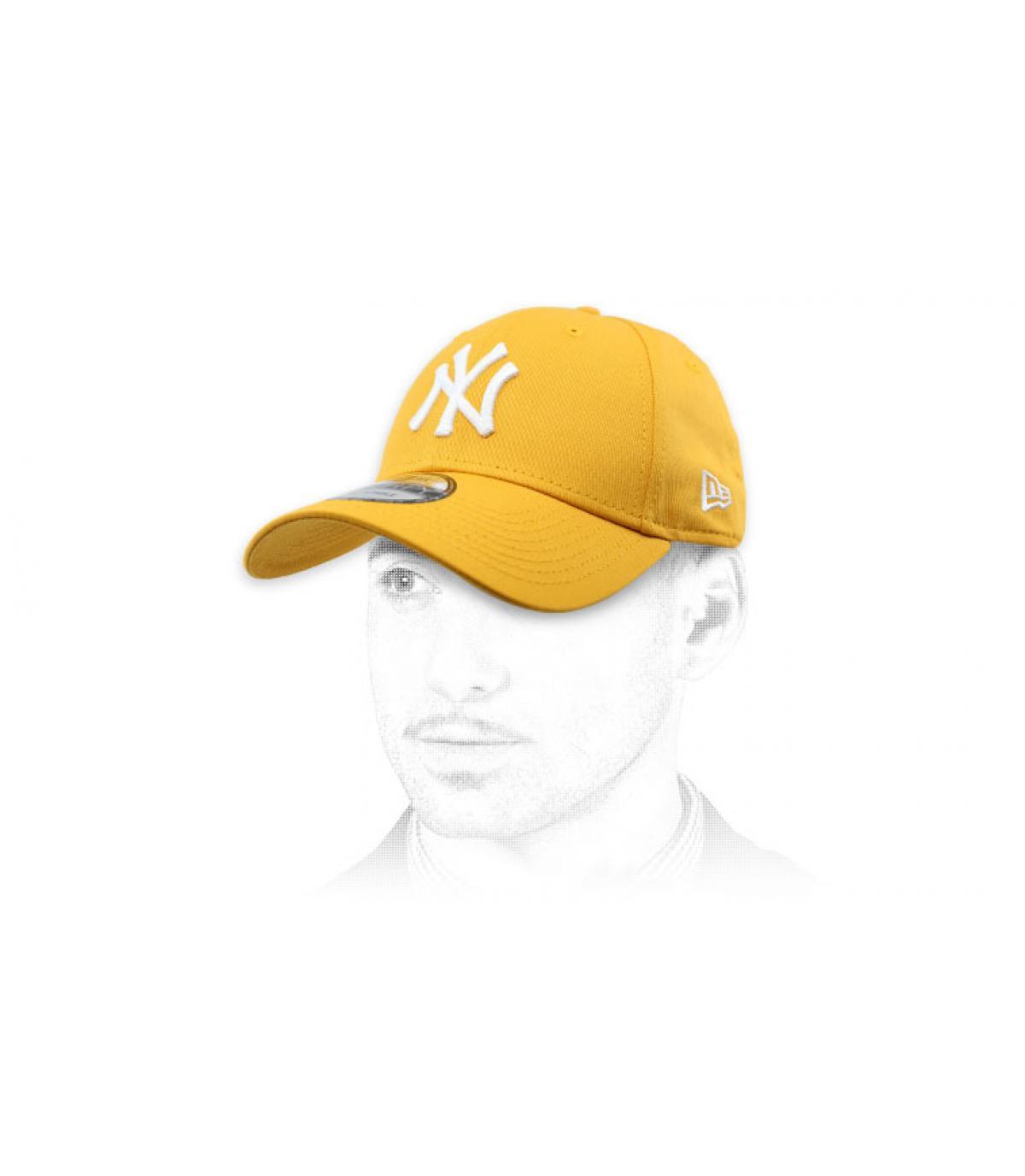 berretto giallo NY