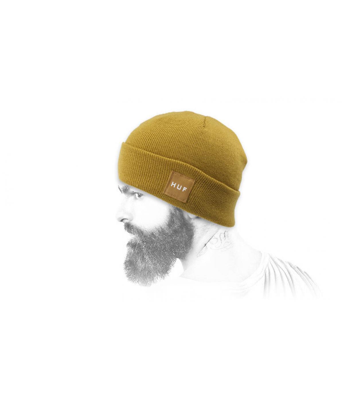 Cappellino con risvolto giallo Huf