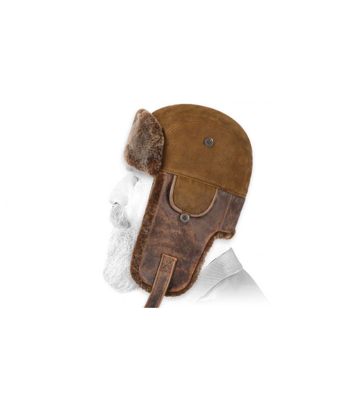 cappello di pelle marrone