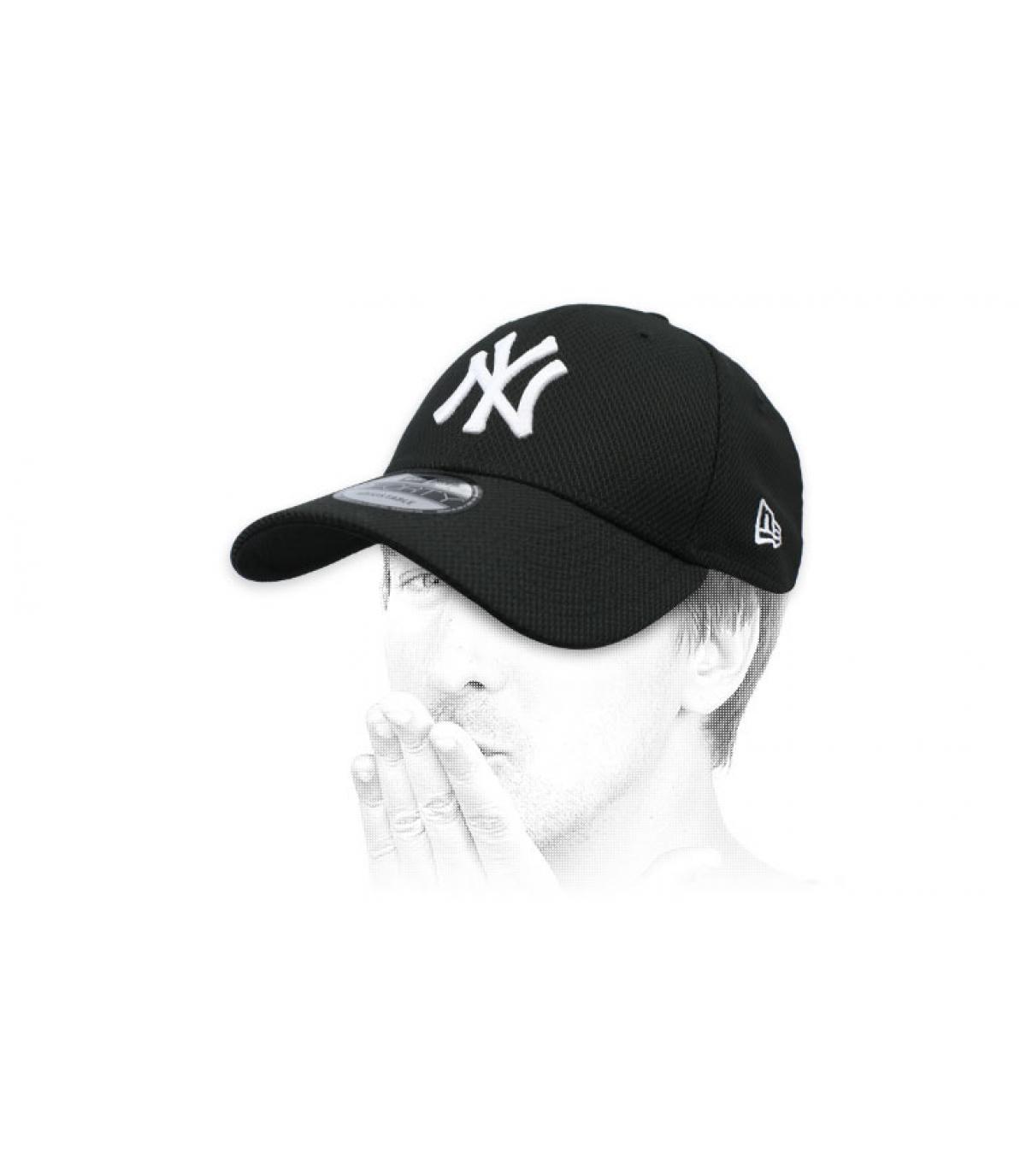 NY Diamond black cap