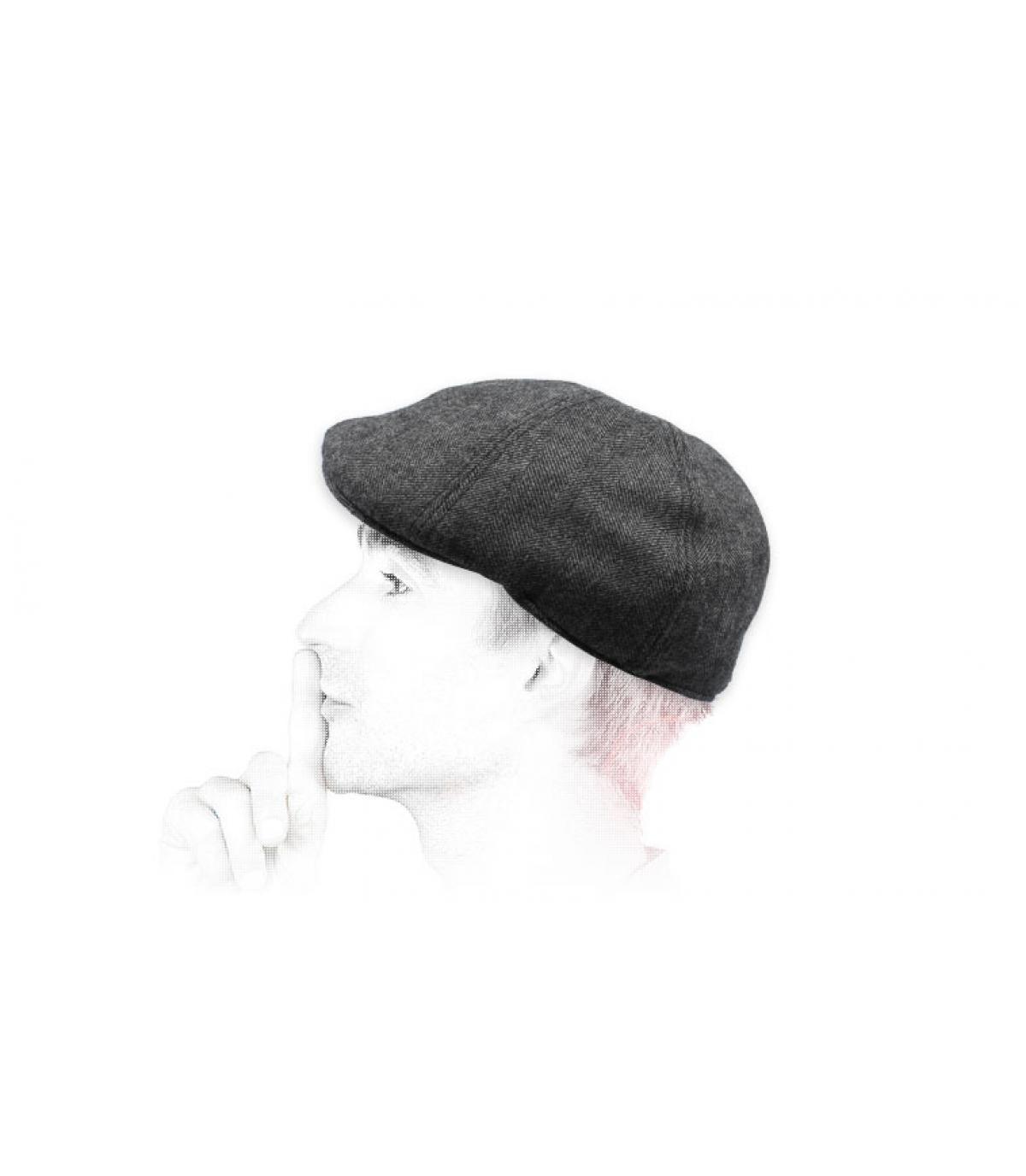 berretto di lana a becco d'anatra grigio