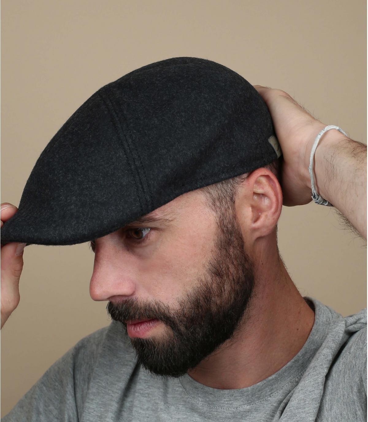 lana di becco d'anatra a berretto