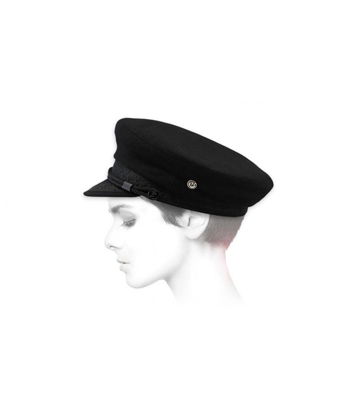 berretto di lana nero