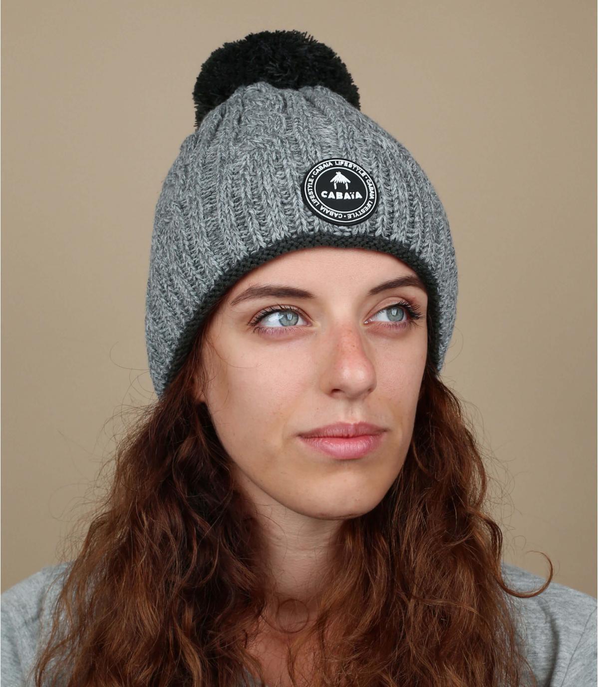 cappello da donna grigio contorto