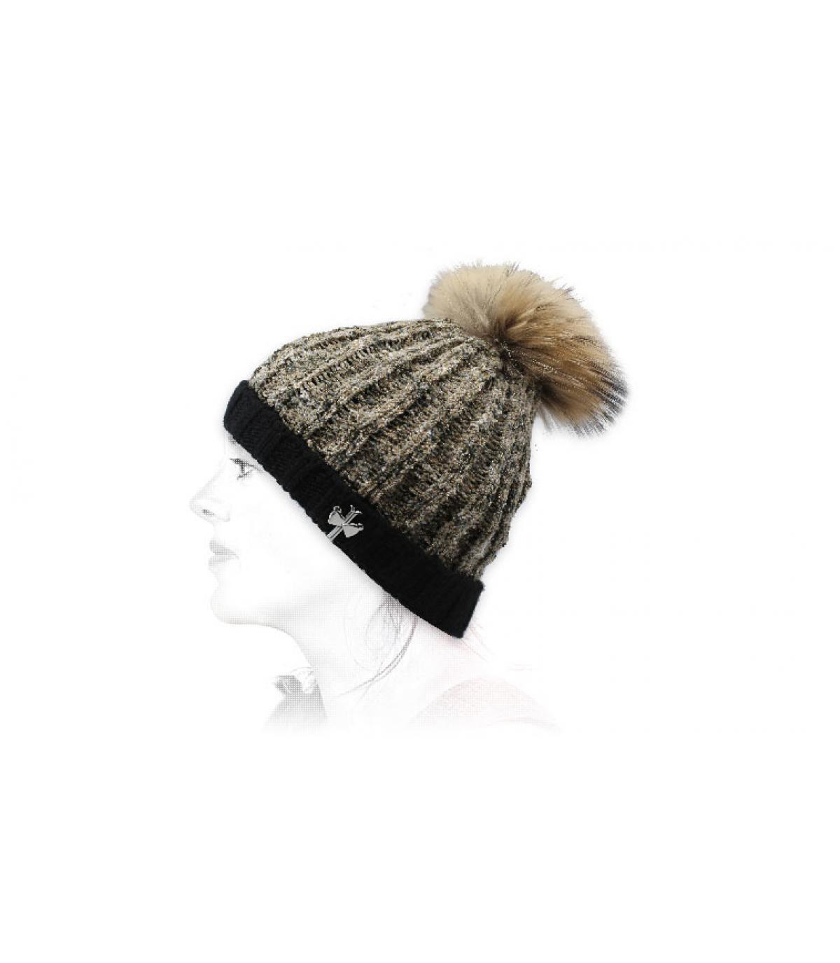 cappello di lana beige nero