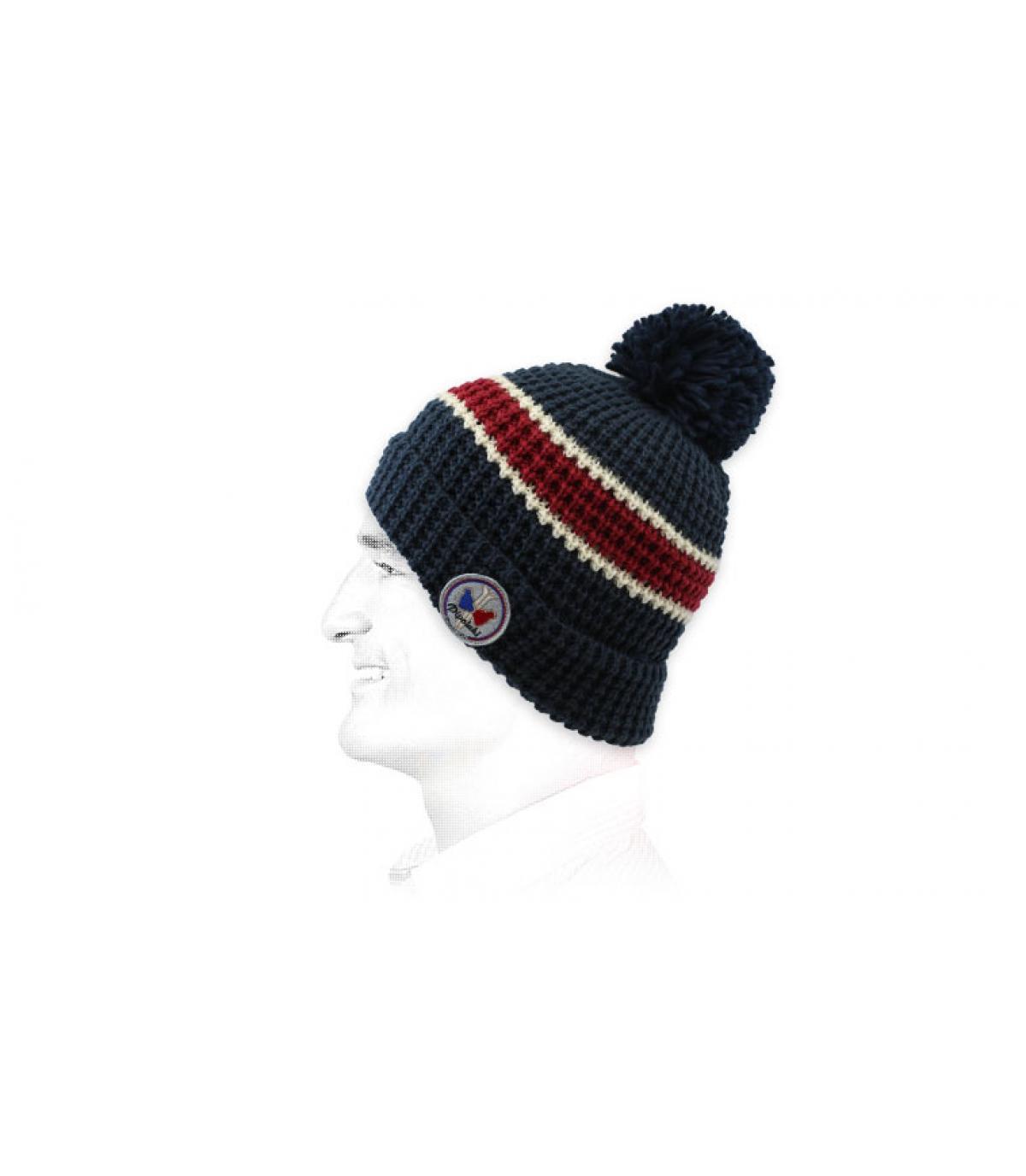 cappello a strisce blu rosso