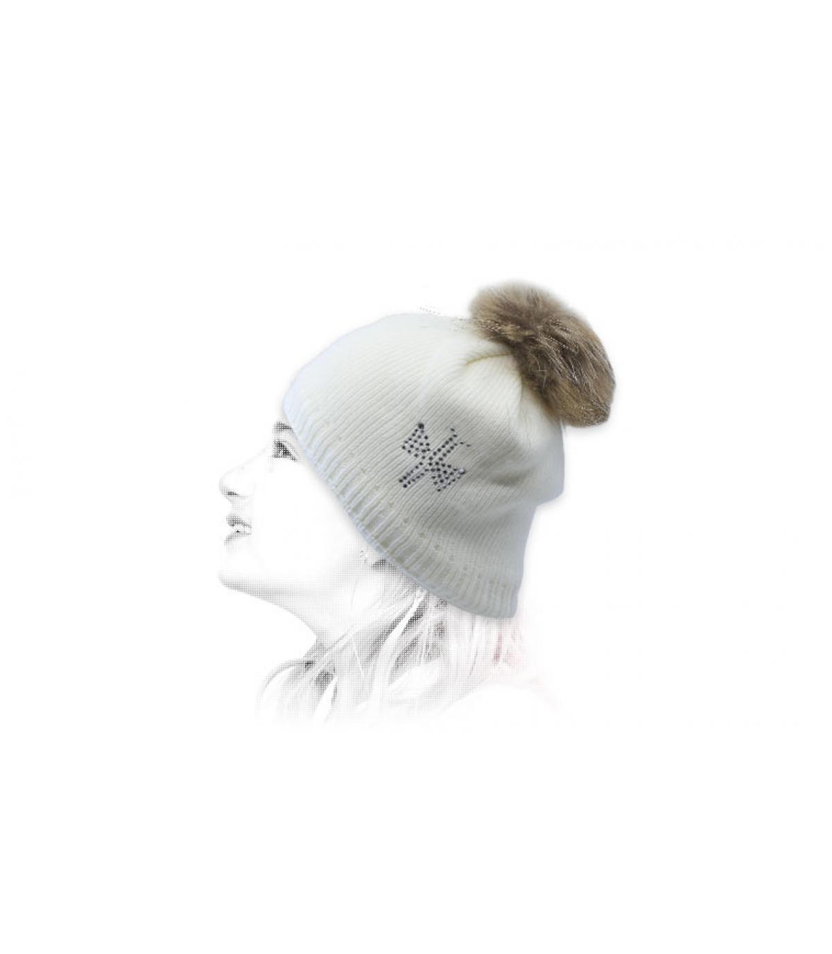 cappello da bambino con pelliccia bianca