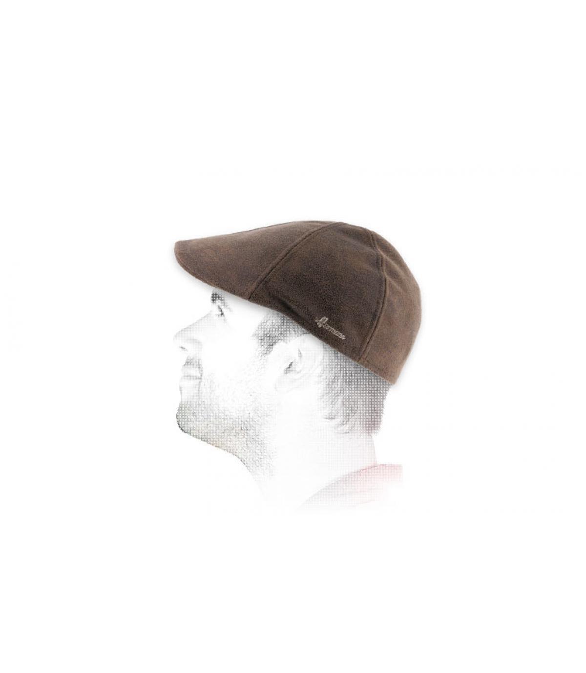 berretto di becco d'anatra marrone