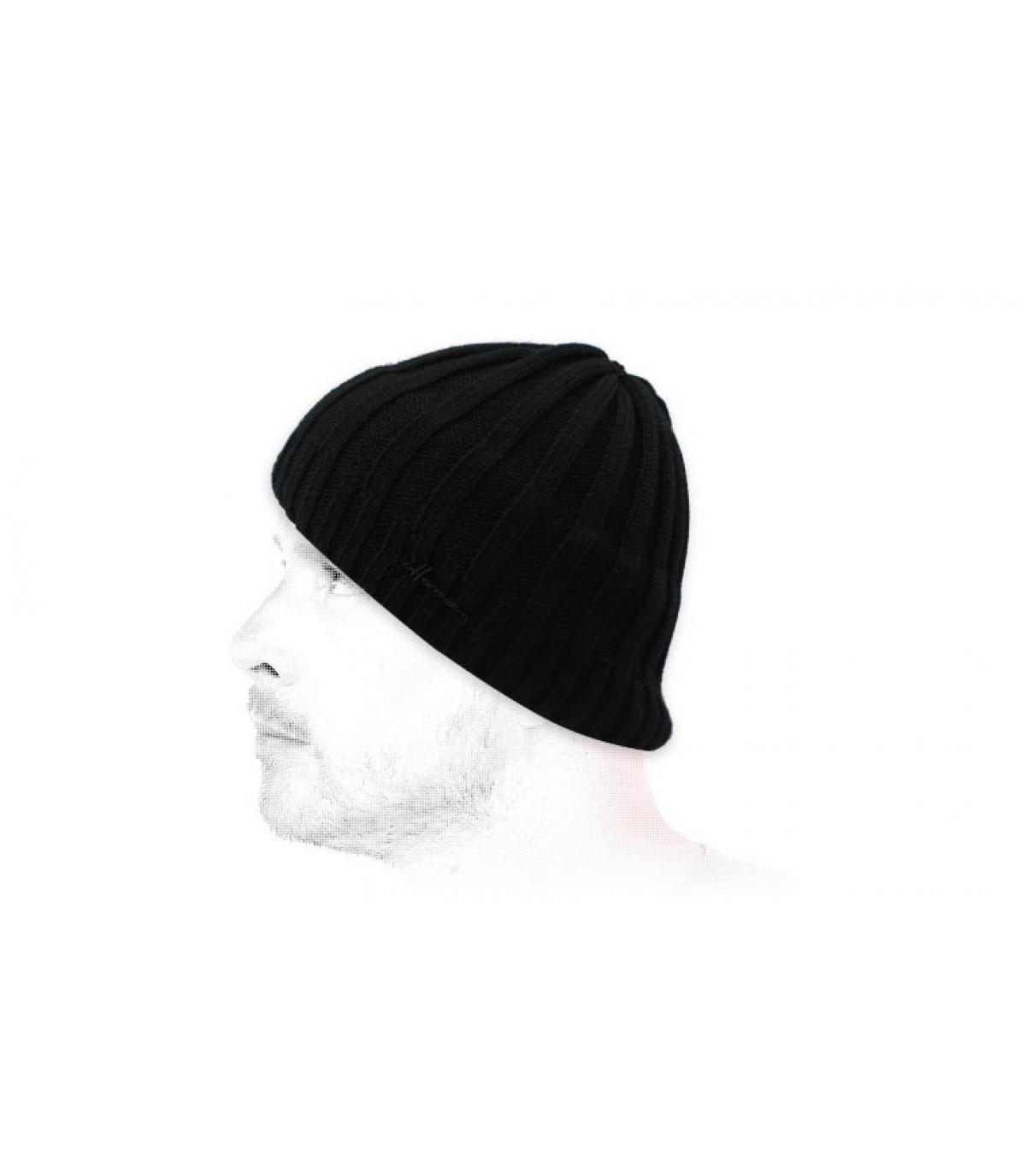 cappello corto nero