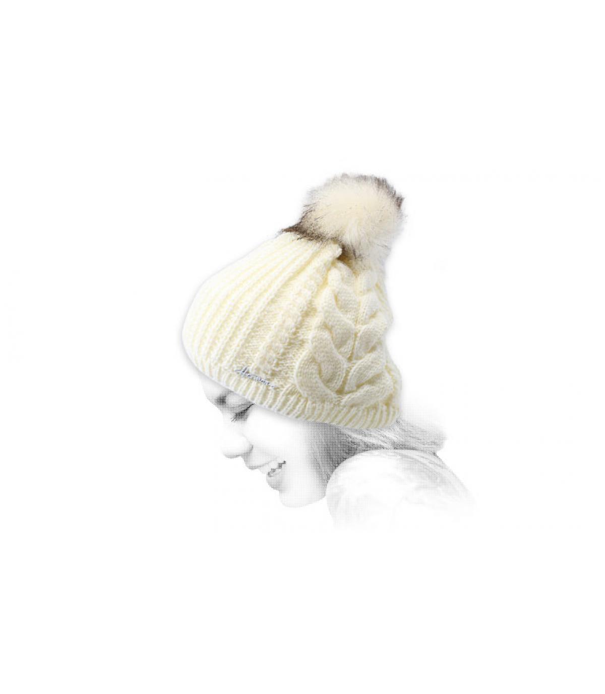 cappello bianco con pompon in lurex