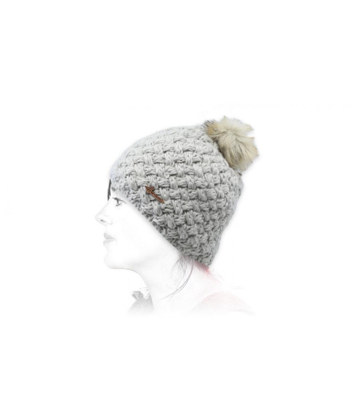cappello di lana grigio pelliccia