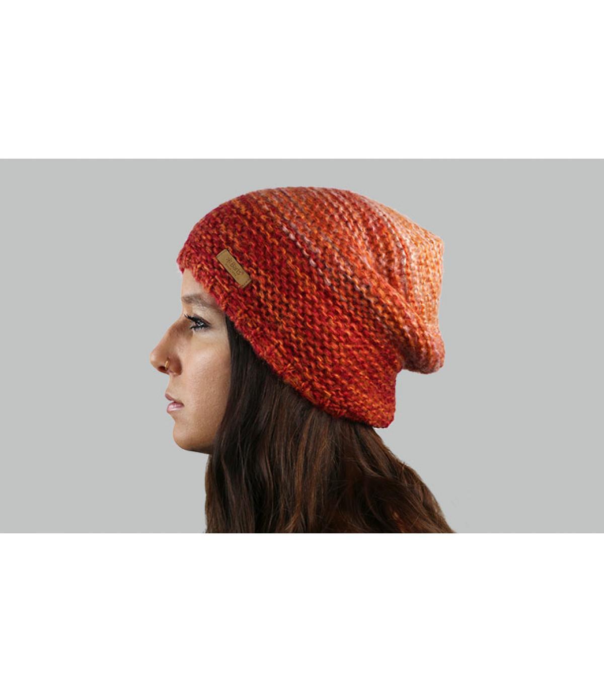 cappello arancione sfumato