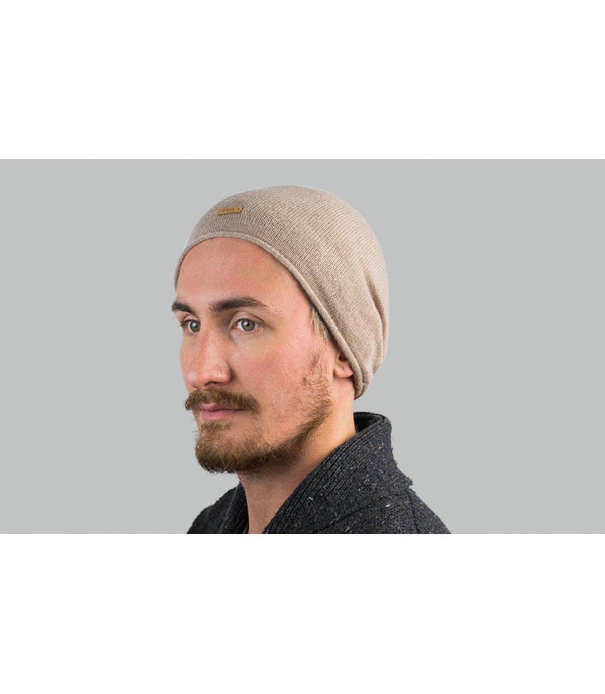 lungo berretto beige in cashmere