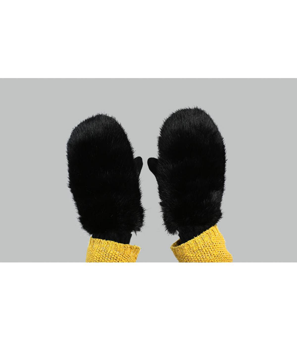 guanti di pelliccia nera Barts
