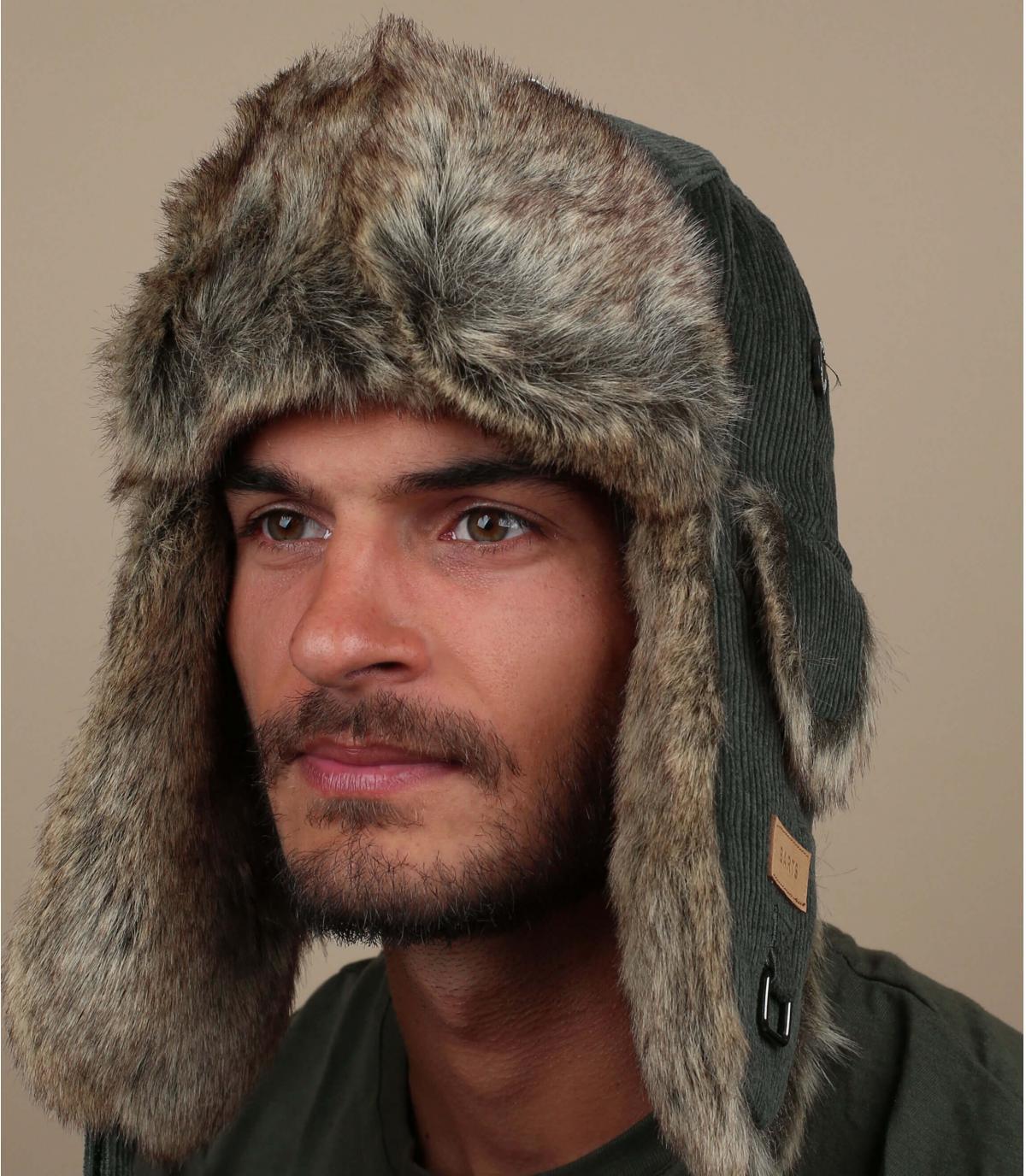 cappello di pelliccia verde