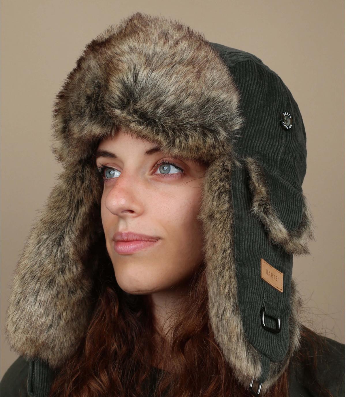 cappello da donna in pelliccia verde