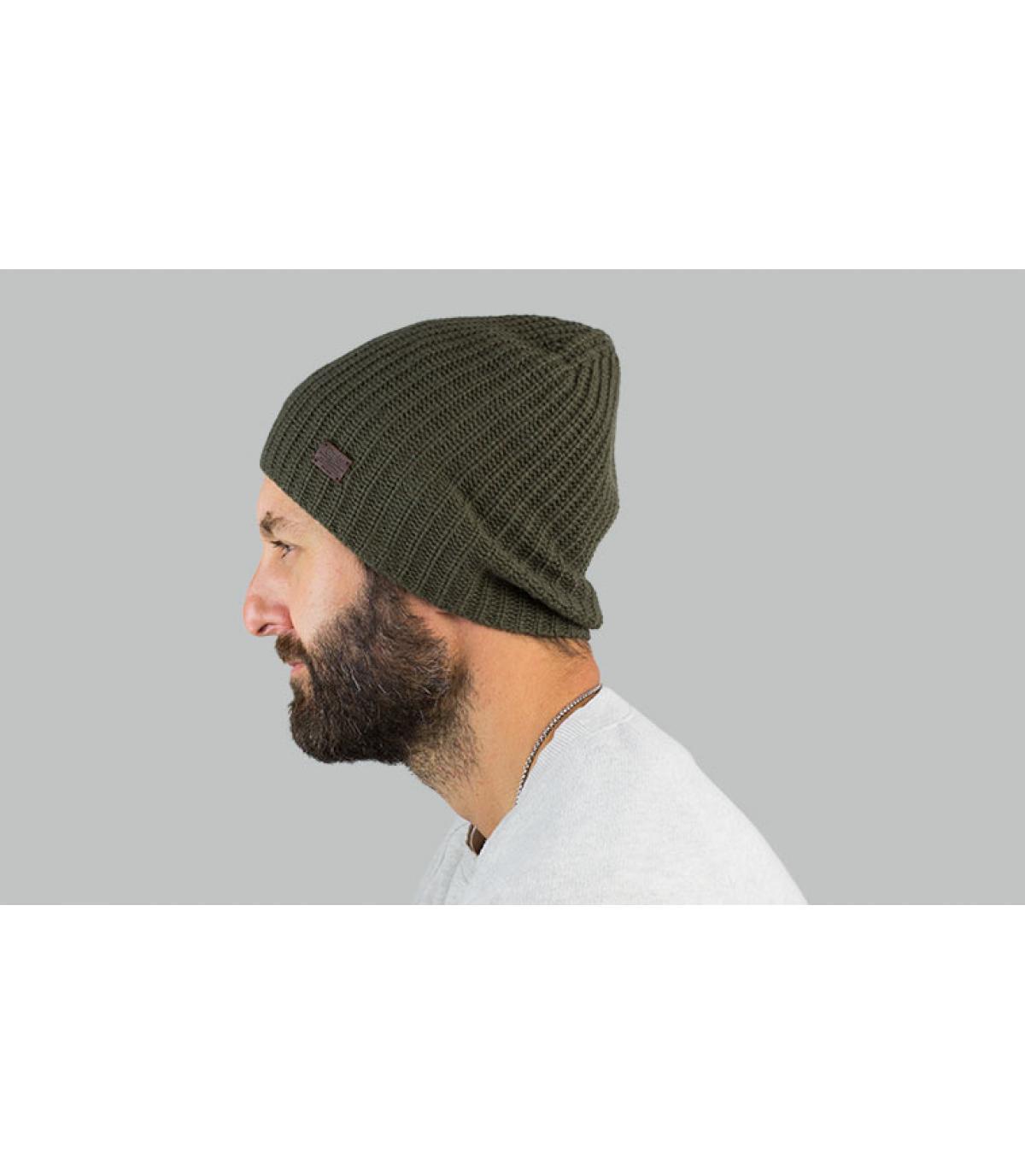 lungo berretto verde in cashmere