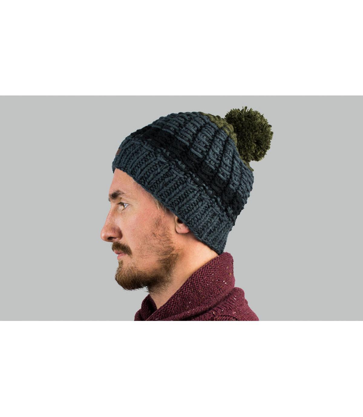 cappello pompon verde grigio