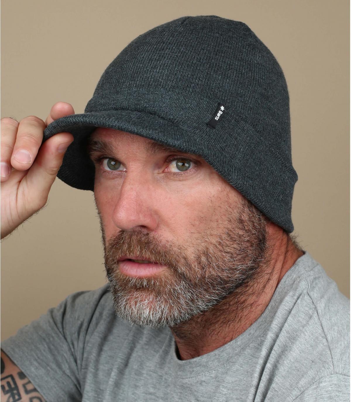 cappello visiera grigio scuro