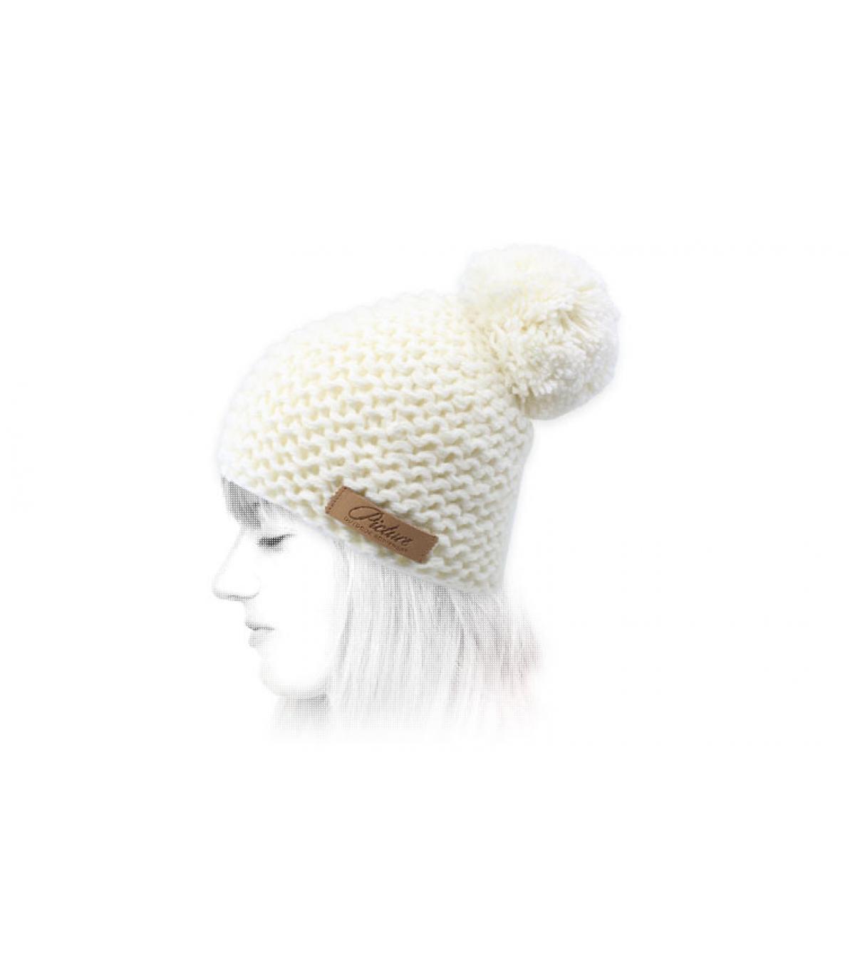 berretto bianco con pompon Immagine