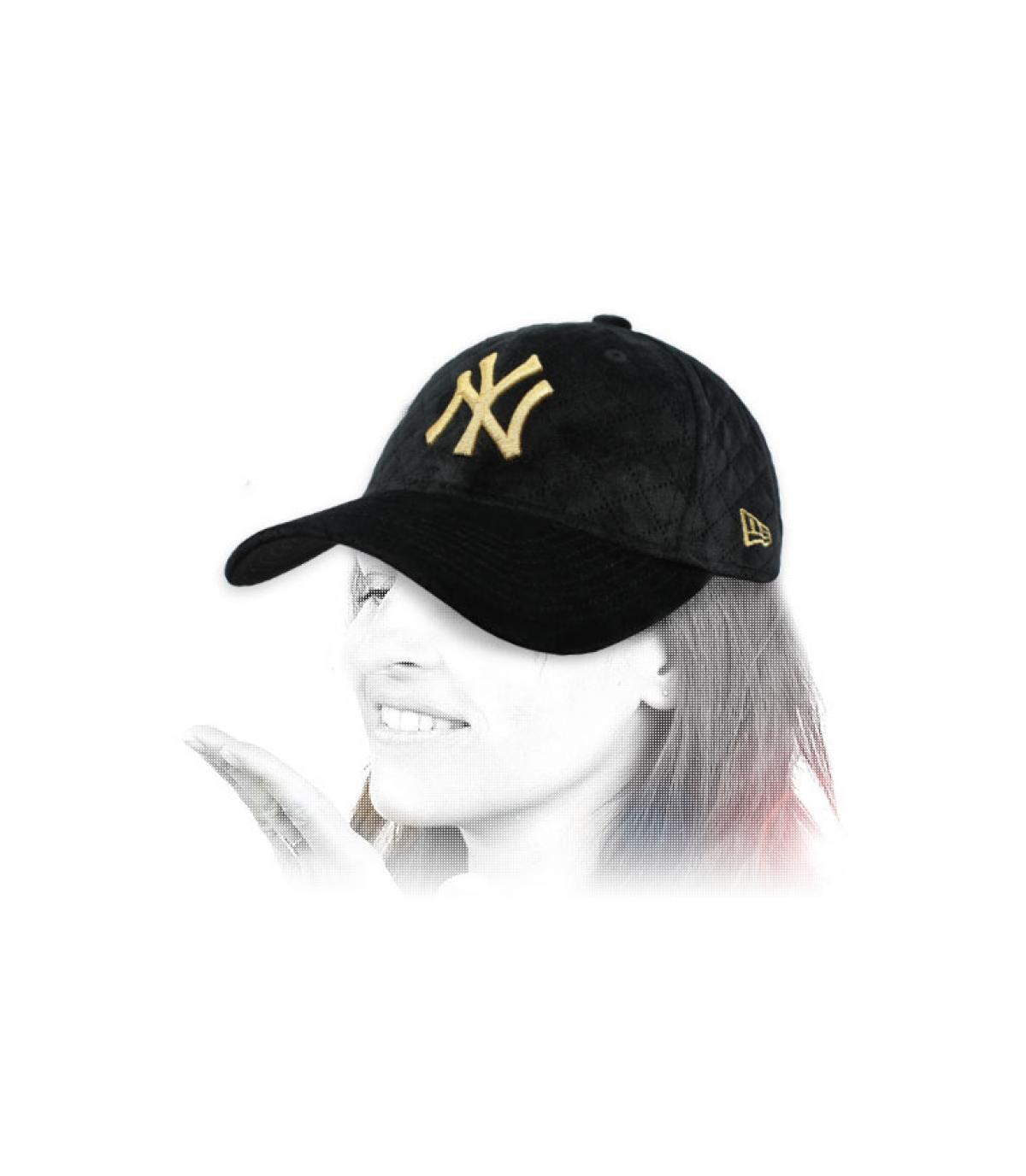 berretto da donna nero NY