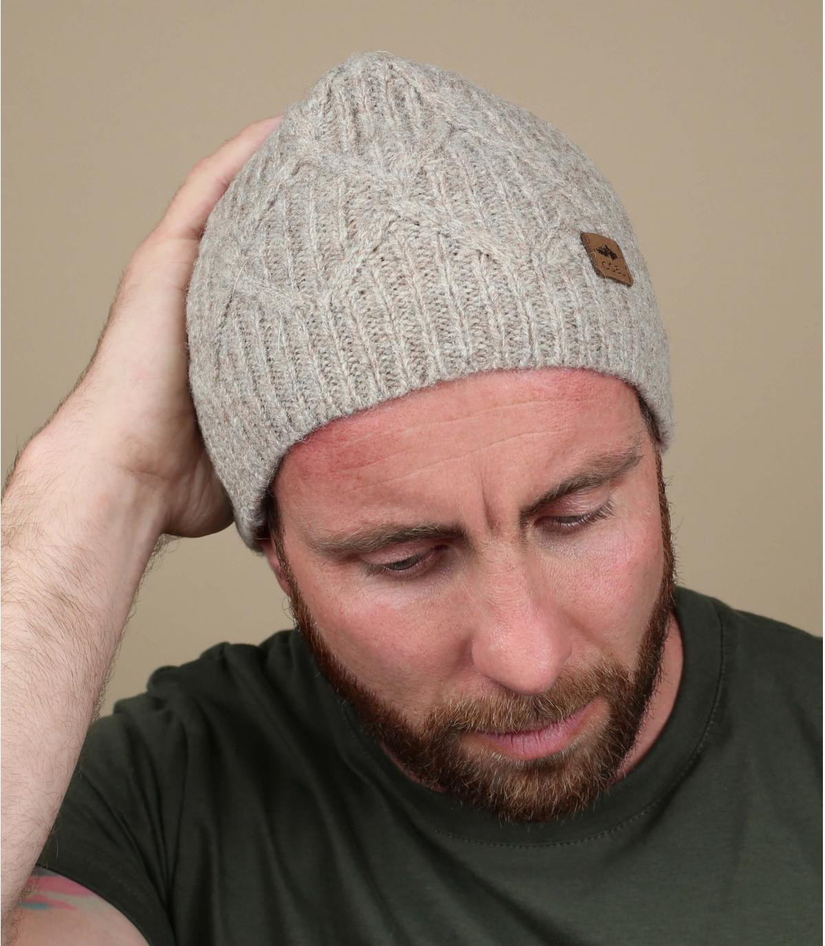 sombrero de lana beige trenzado