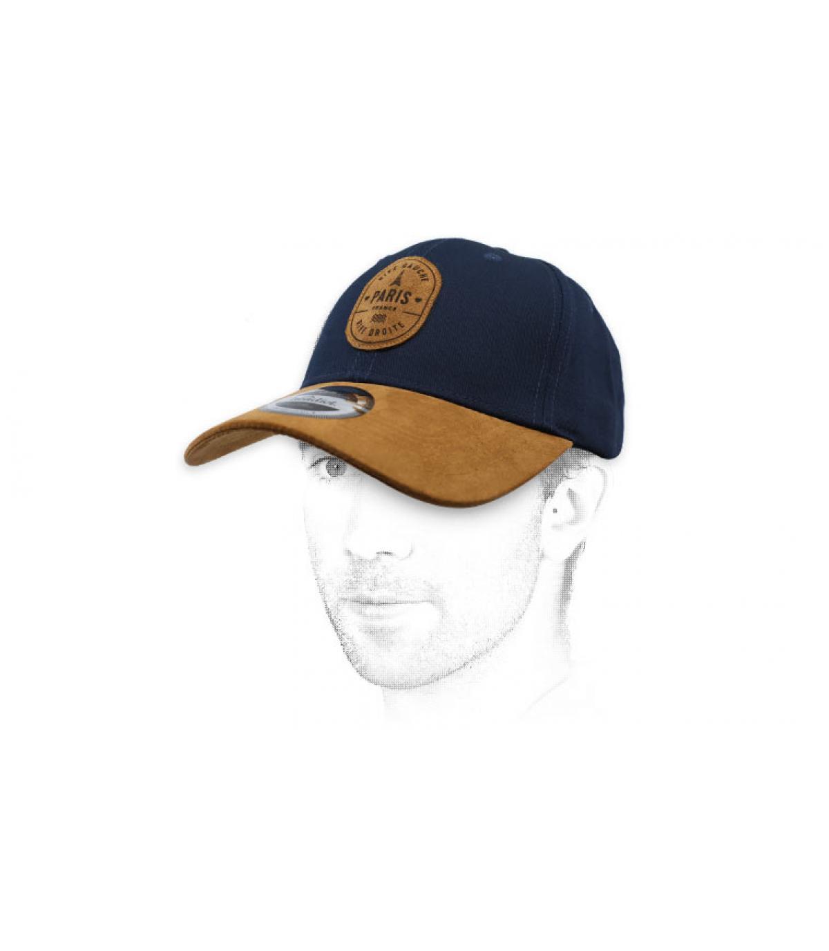 Cappellino in pelle scamosciata blu di Parigi