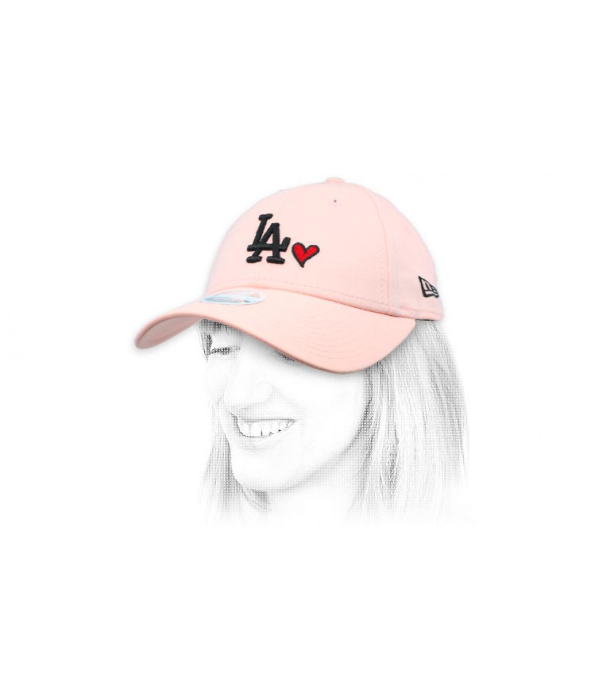 LA donna rosa cap