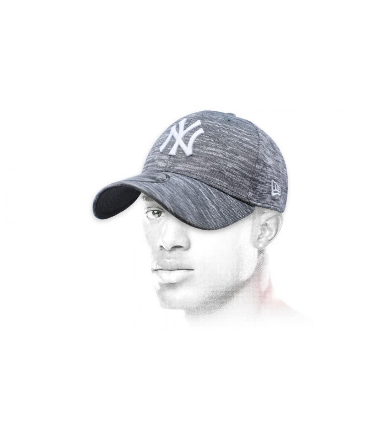 Cappellino grigio - Acquisto   Vendita Cappellini grigi - Shop ... 2f213df54cd7