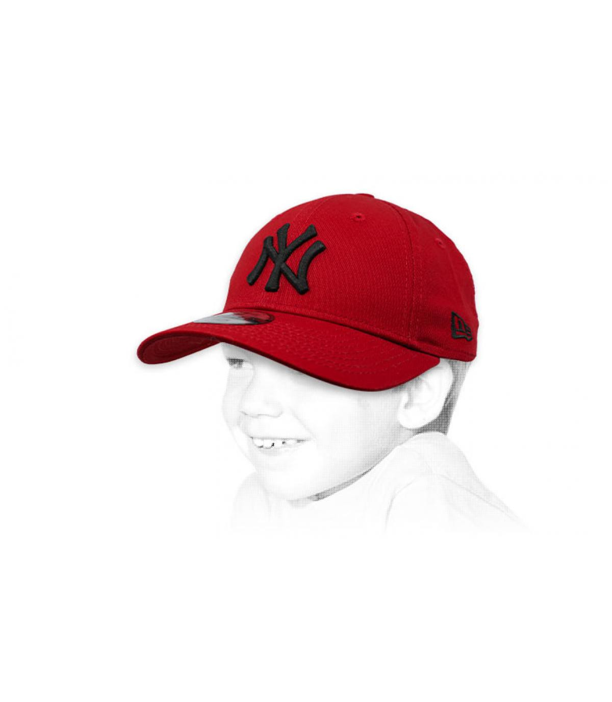 Cappellino rosso - Acquisto   Vendita Cappellini rossi - Shop online ... cb084aa18301