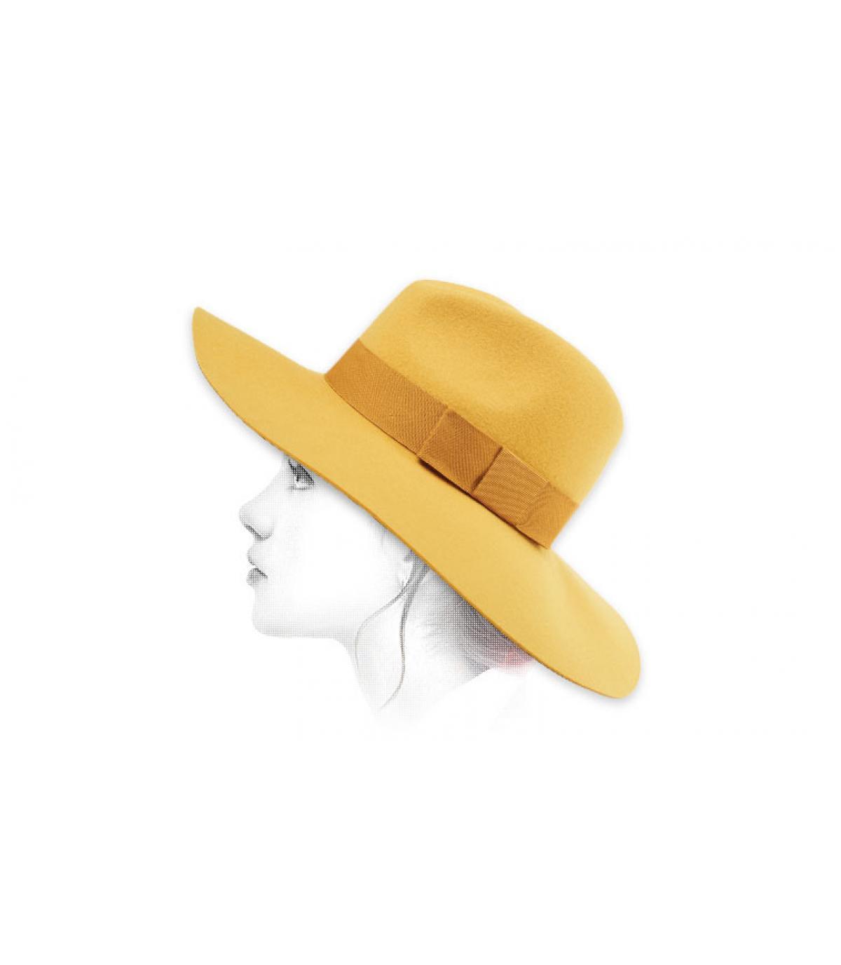giallo feltro