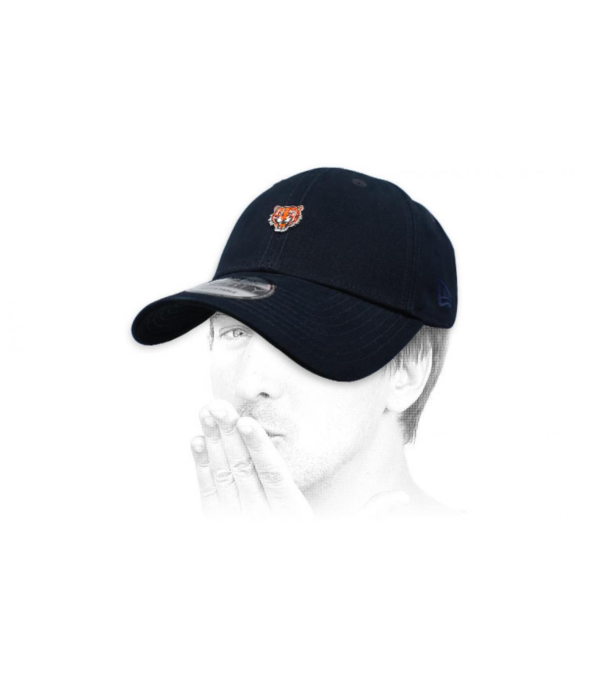 cappello nero di tigre