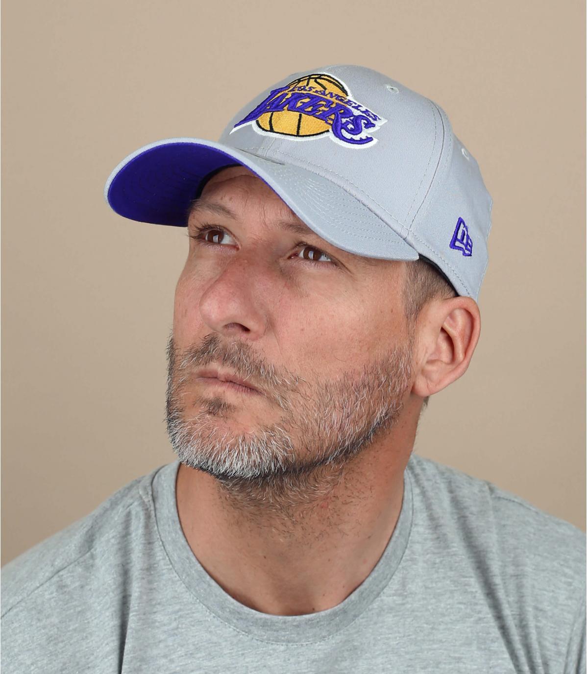 berretto grigio dei Lakers