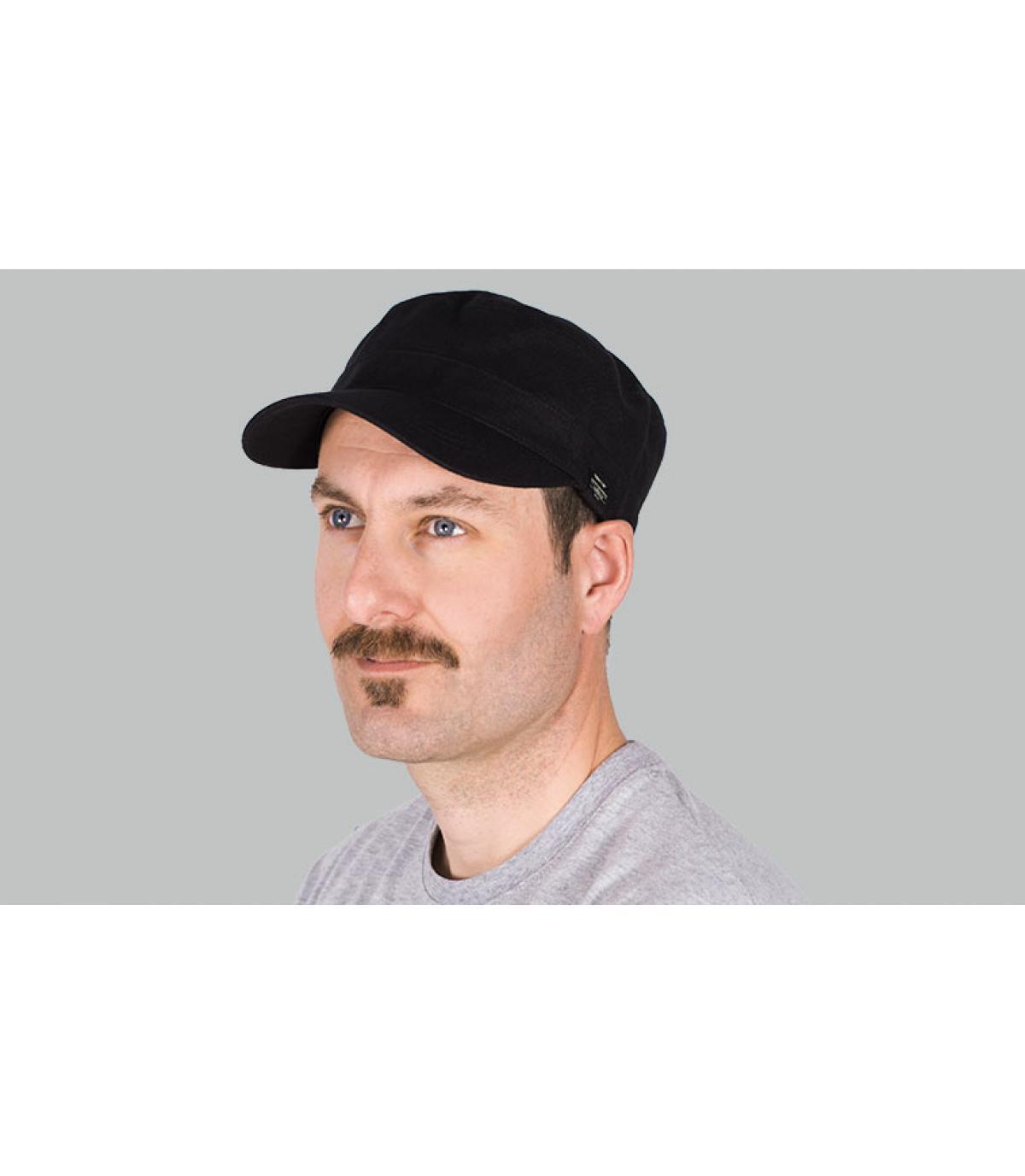 berretto militare nero