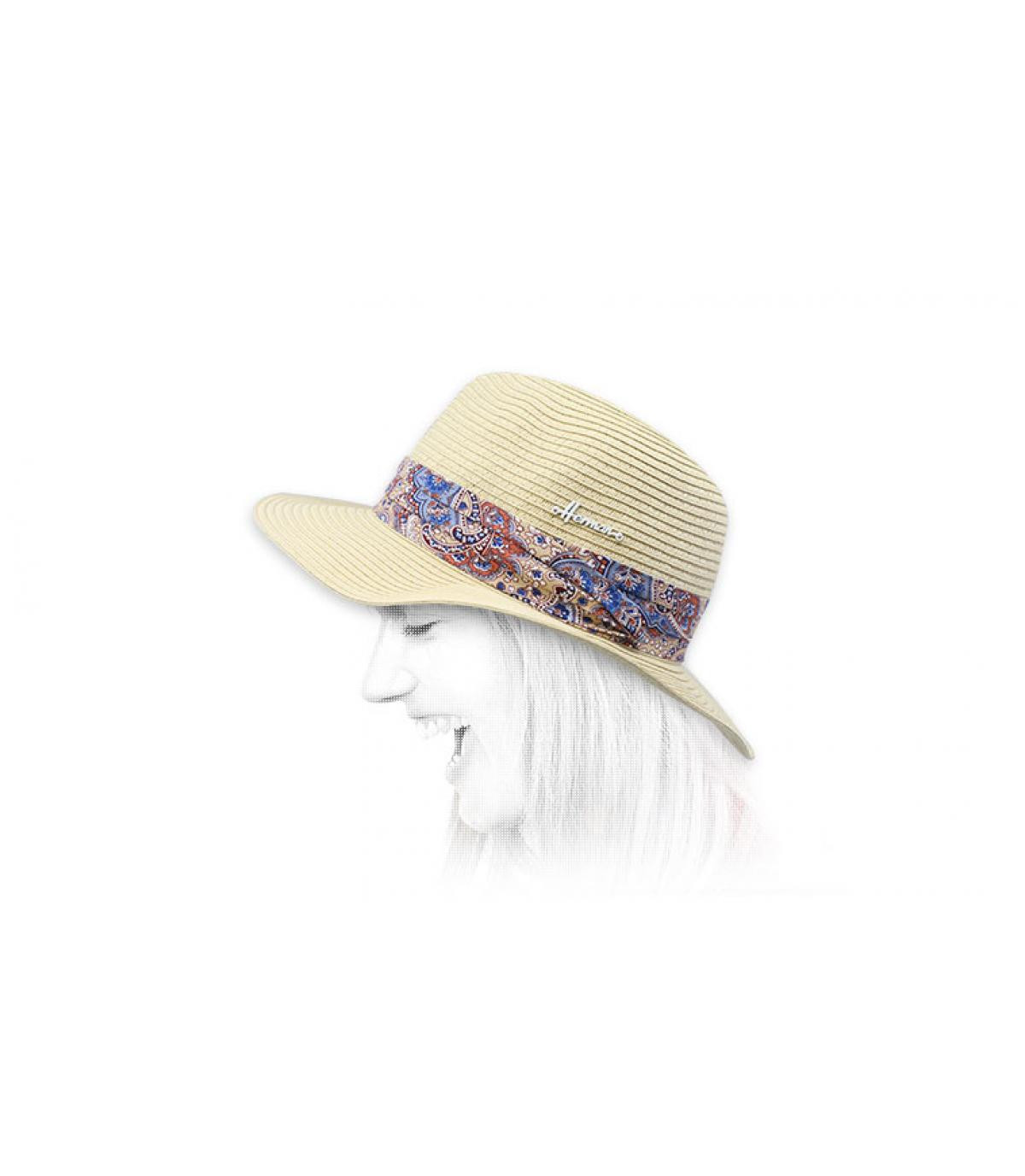 Cappello di paglia bianco