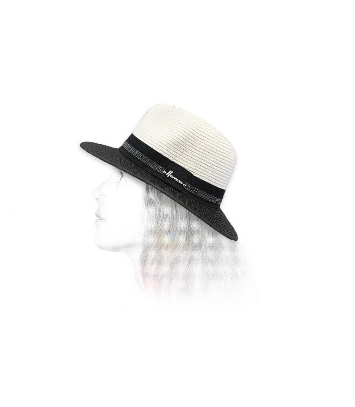 Cappello bianco di paglia nero
