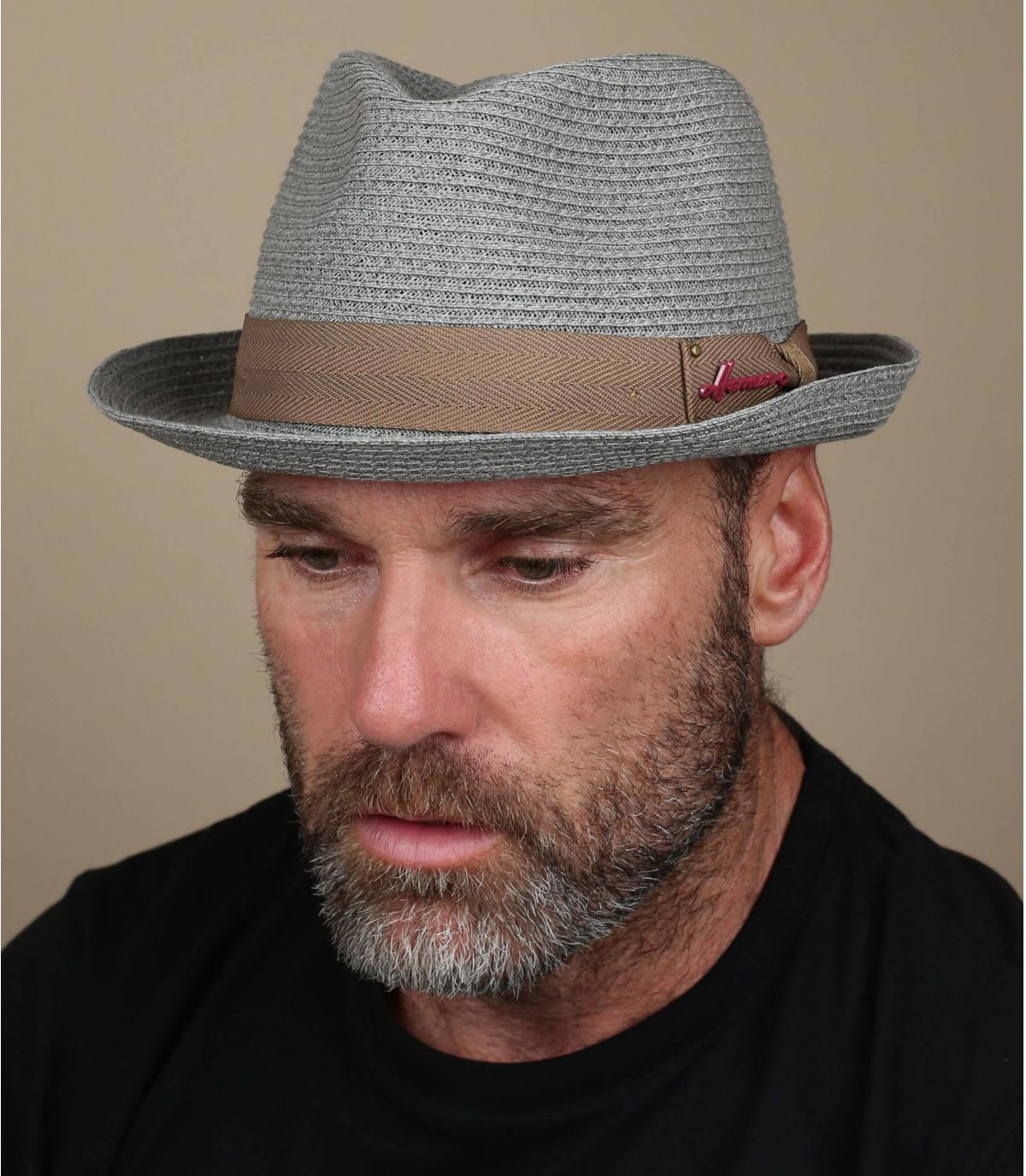 trilby grigio paglierino