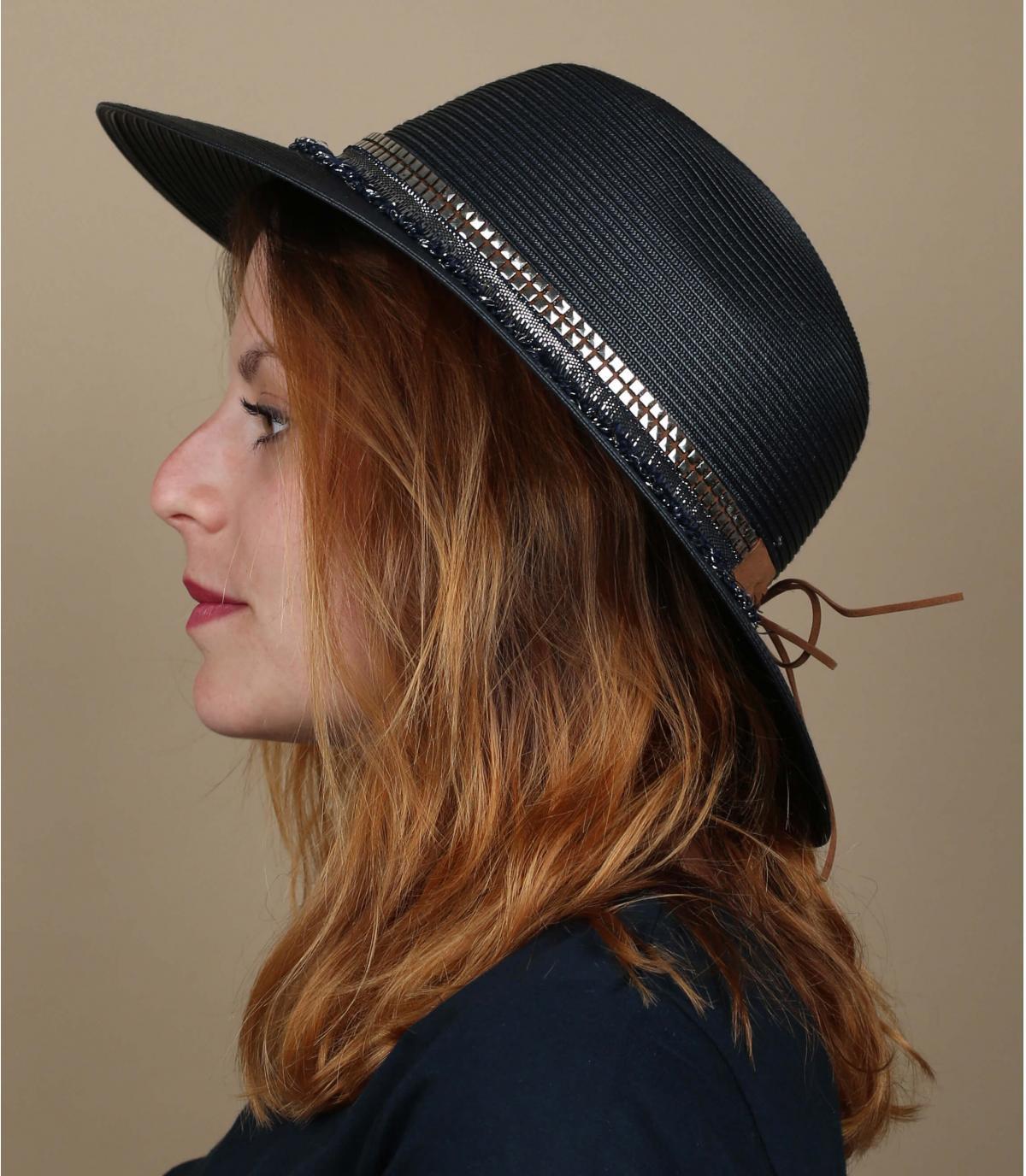 cappello con frange blu