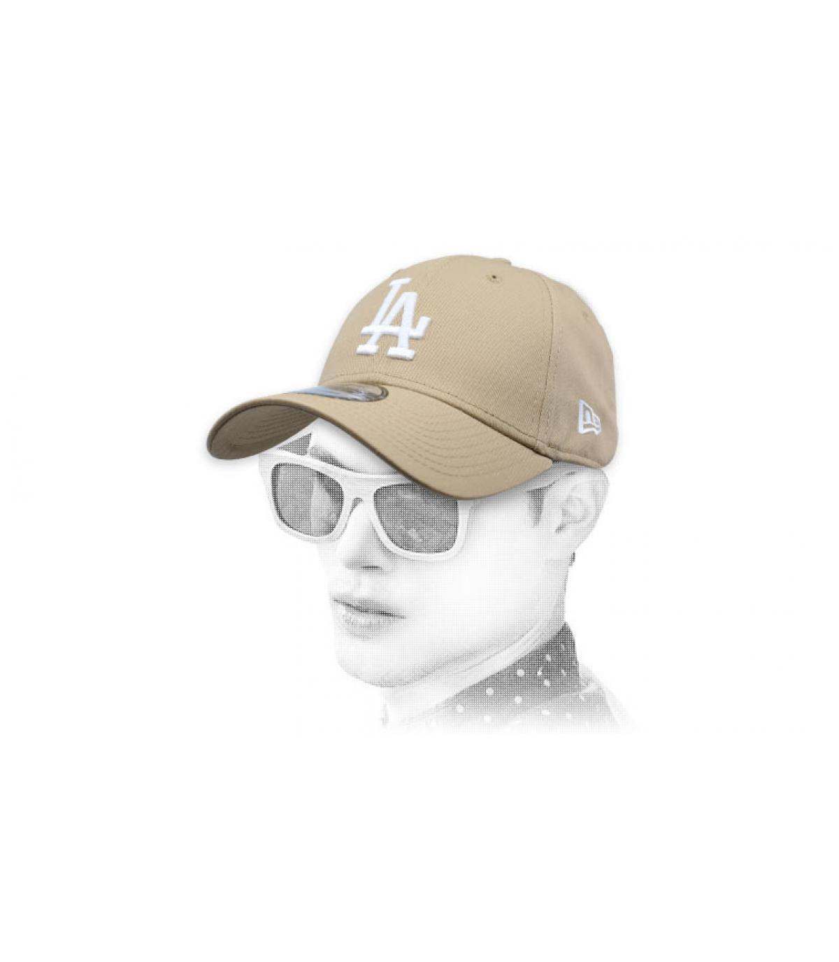LA berretto beige