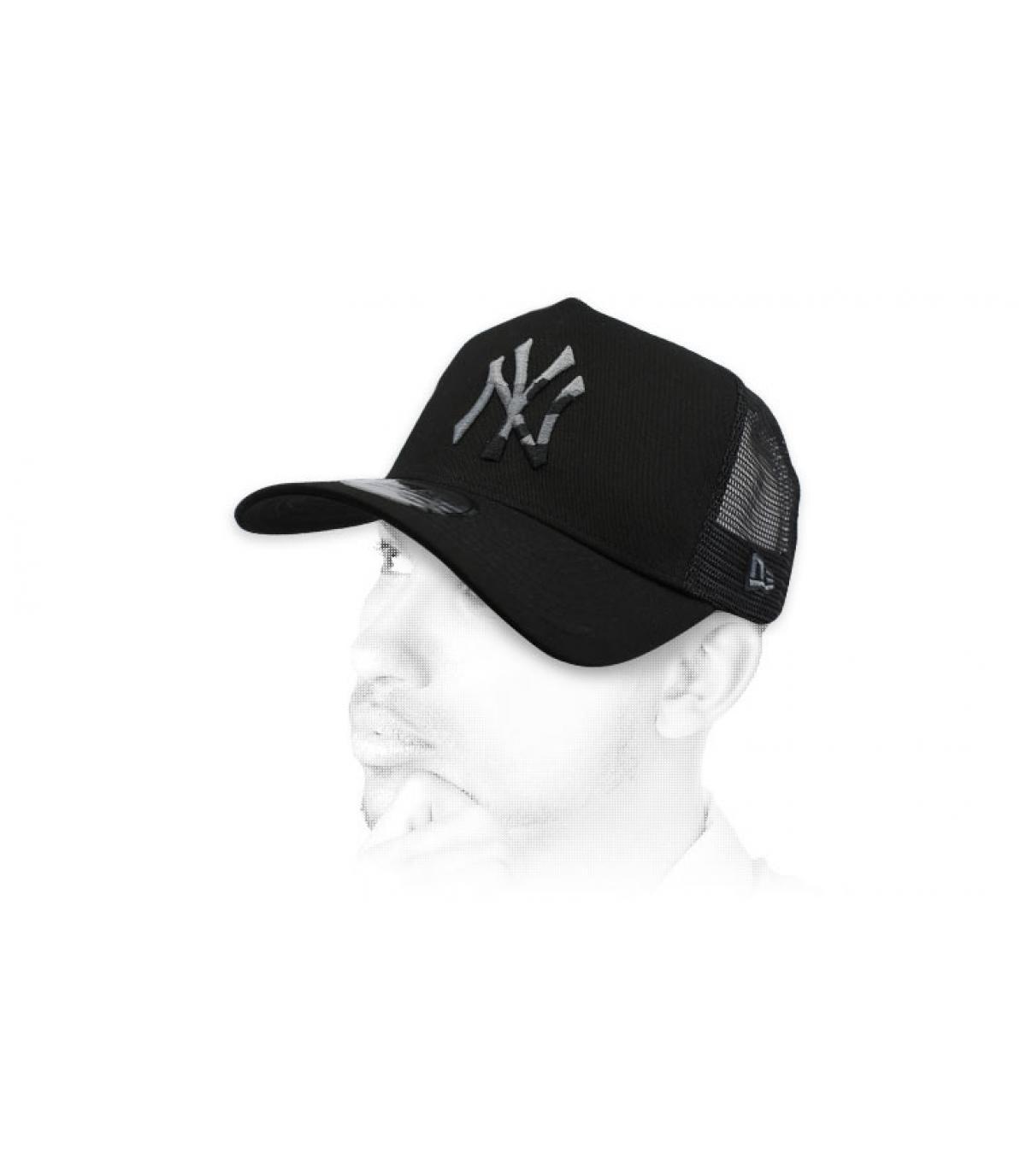 trucker nero NY camo