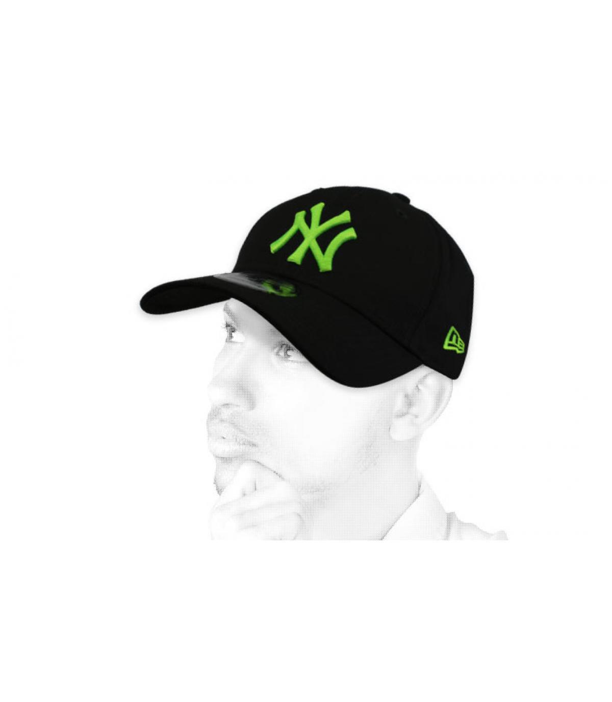 nero NY cap verde