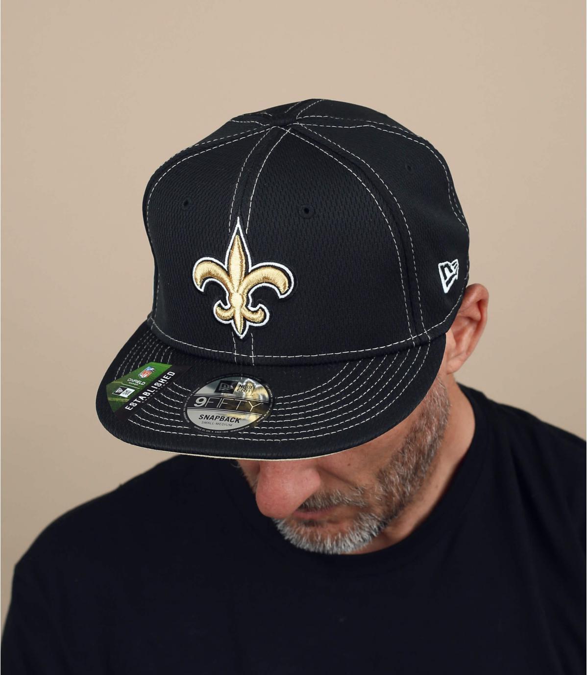 cappello di santi neri