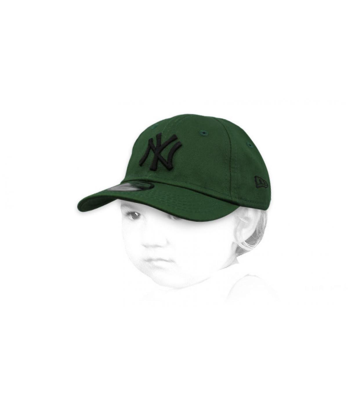 Berretta verde NY