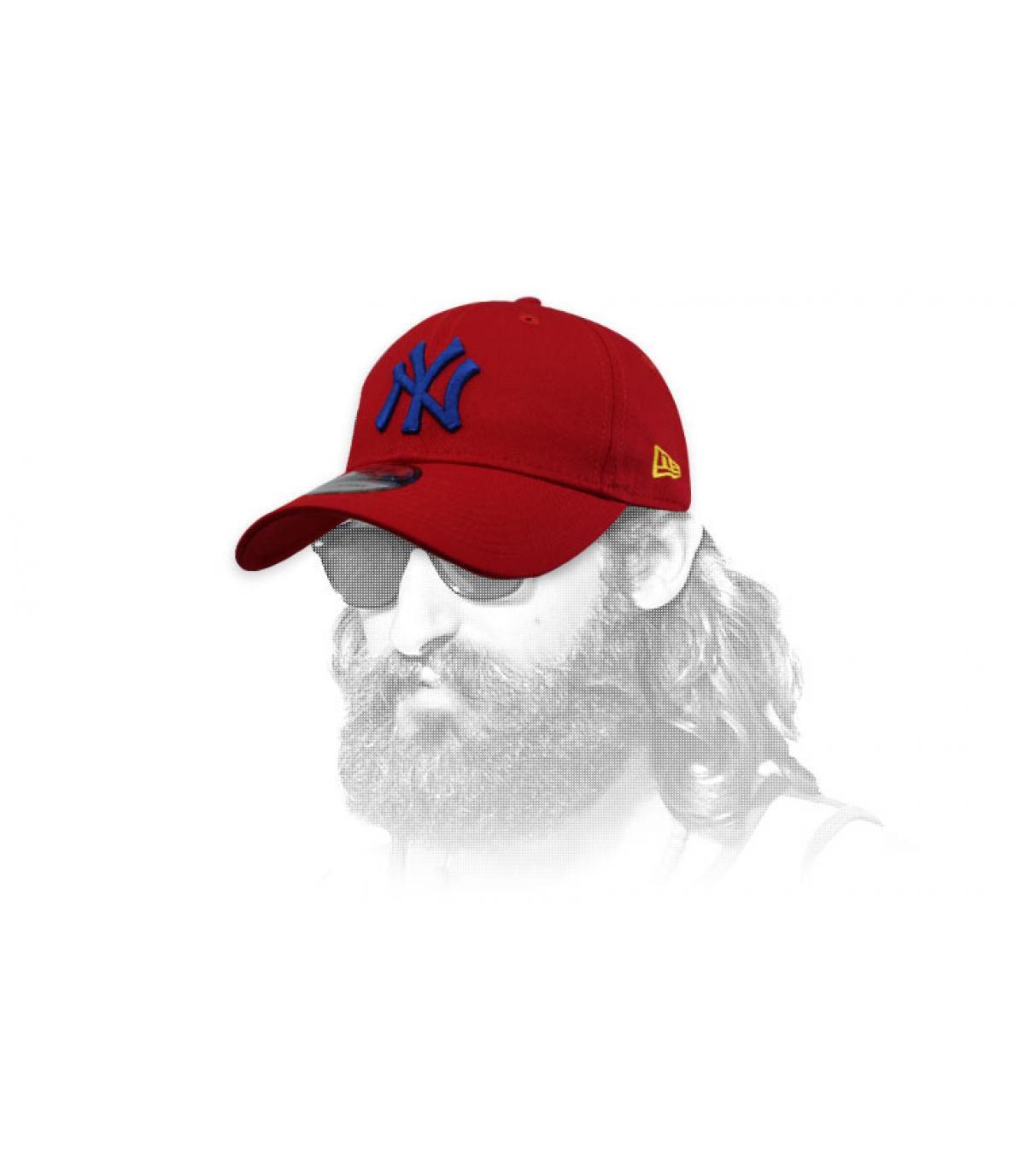 berretto rosso NY