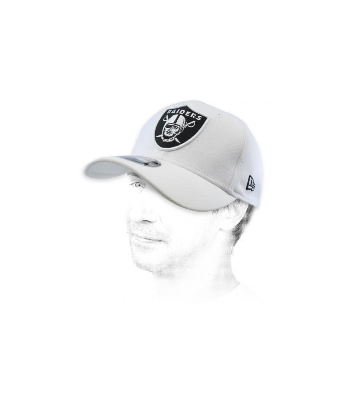snapback dei Raiders bianchi