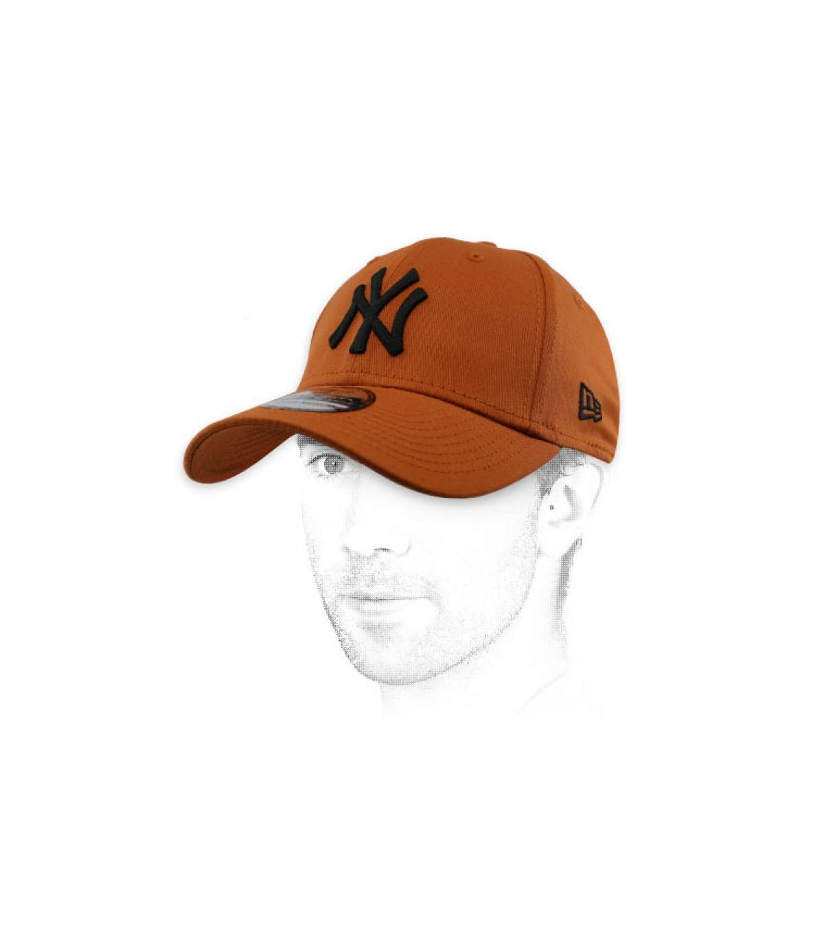 cappuccio nero marrone NY