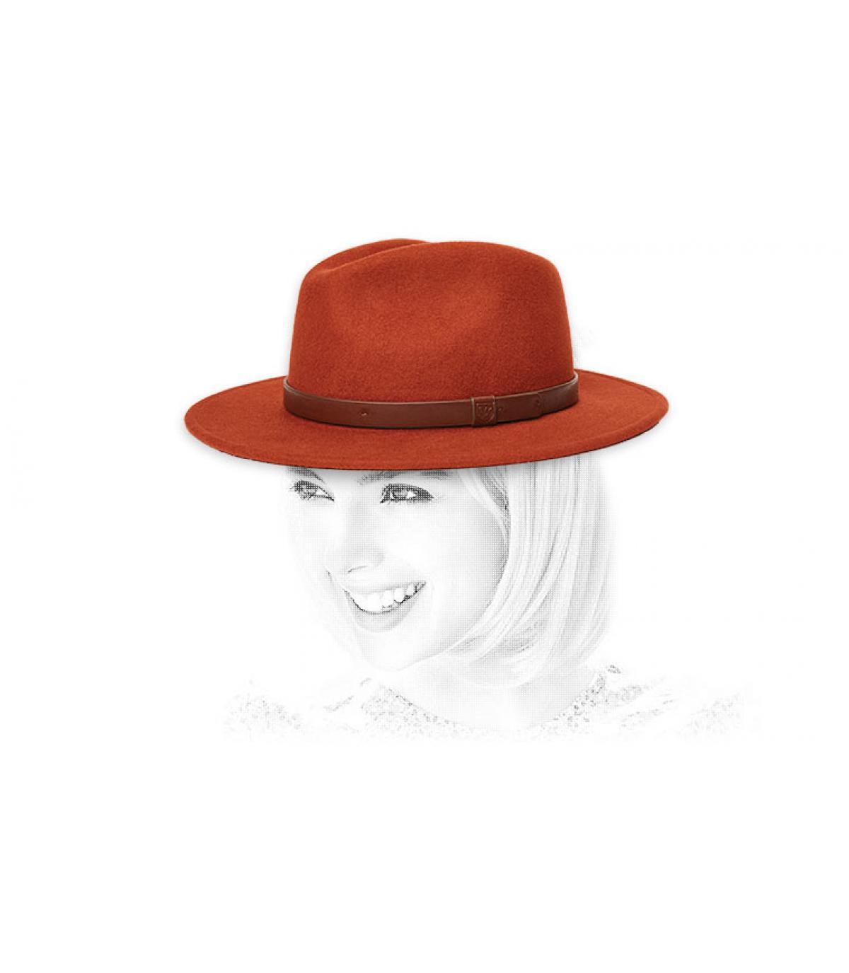 cappello da donna rosso